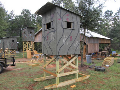 Deer hunting shooting houses for Building deer blind windows