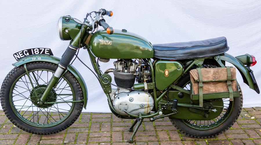 BSA WD B40 1967