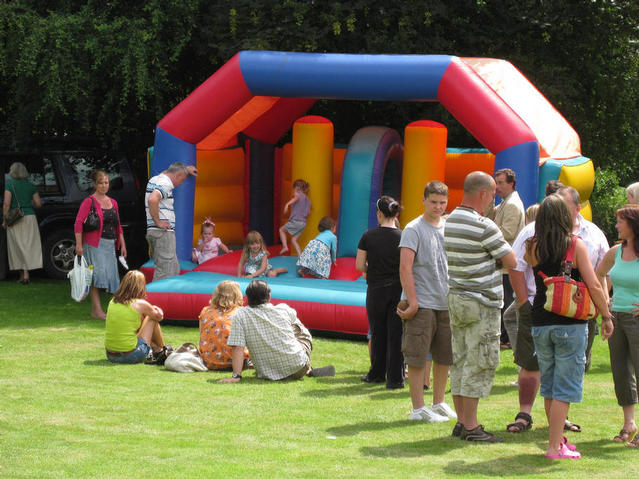 The bouncy castle 09