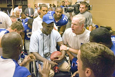 Injured war hero, Greg Gadson, gives inspirational speech to New York Giants