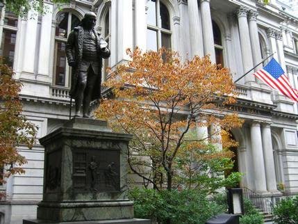 Benjamin Franklin outside Old City Hall, Boston
