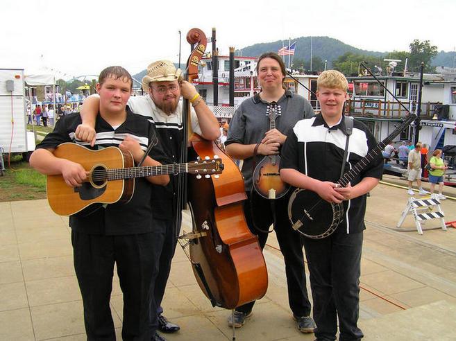Ryan, Carl, Zeke, and Steven at the Sternwheelers Festival