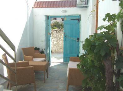 villa iris gate