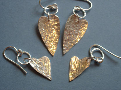 Textured heart earriings