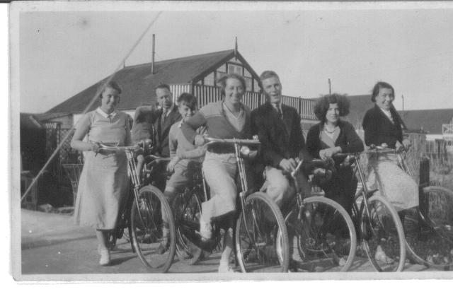 Doris and family, Easter 1933 Shoreham Beach. She's second from the right