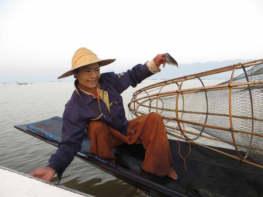 Inle leg rower fisherman close up