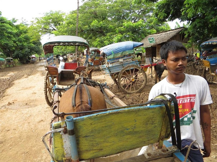 Inwa horse cart and our driver, Nay mey