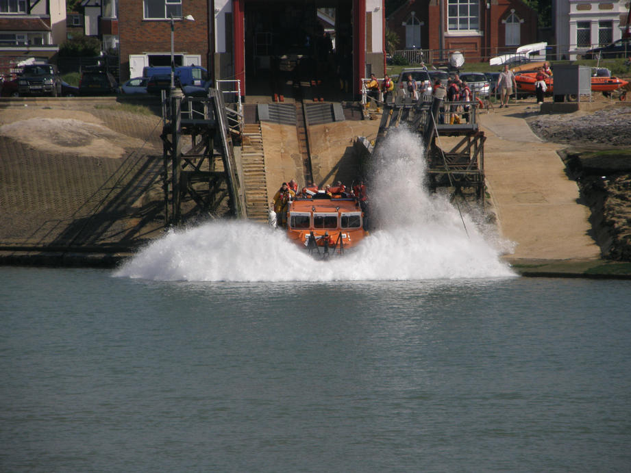 Shoreham's temporary lifeboat 'James Bibby' hits the water