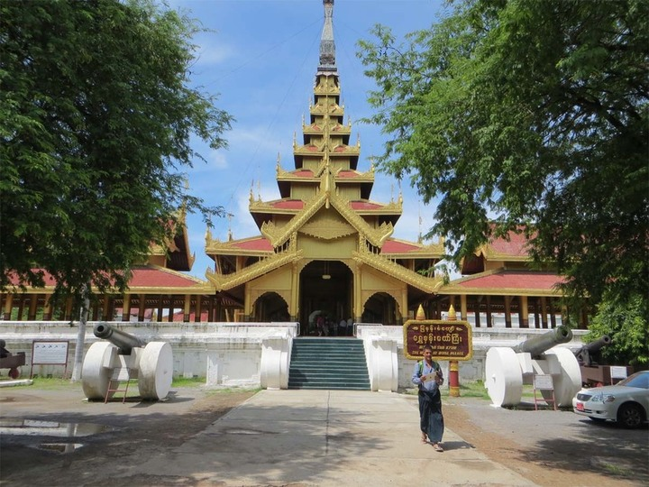 Mandalay Palace entrance