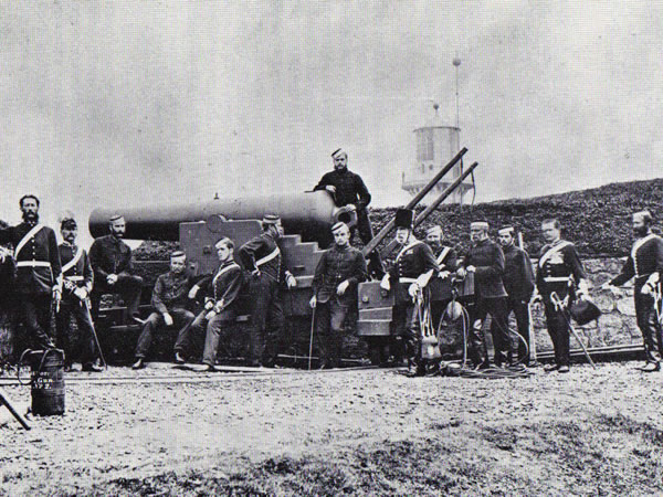 Artillary men at the Heugh Battery Redoubt, Hartlepool, Circa 1870's. Giving an idea of how Shoreham's fort soldiers might have appeared at the same time.