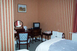 Twin ensuite bedroom all rooms are equipped with tea making facilities and TV