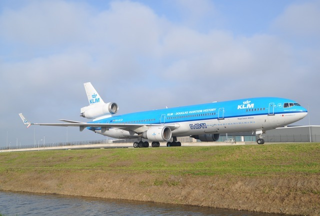 how to get upgraded on a klm flight