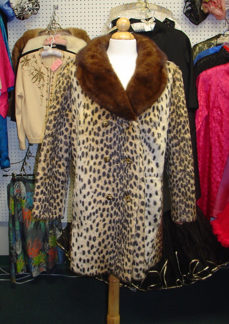 Leopard Faux Fur jacket with Mink Collar