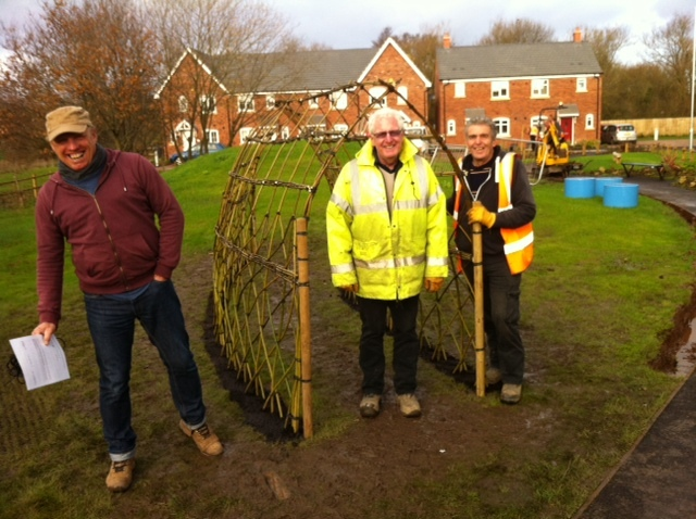 Living Willow Tunnel working with Jack Moody contractors in Bromsgrove this week.