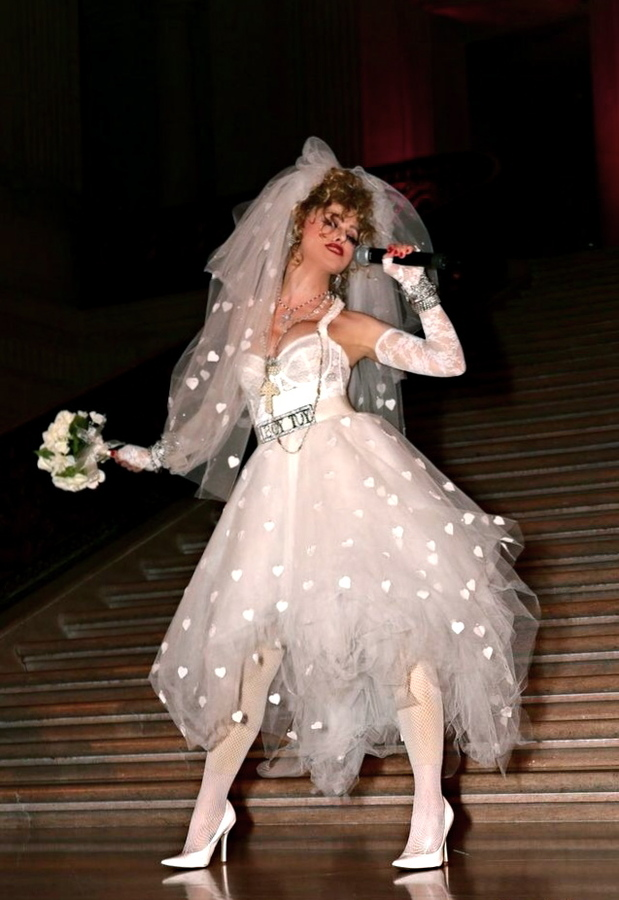 Costumes Madonna like a virgin