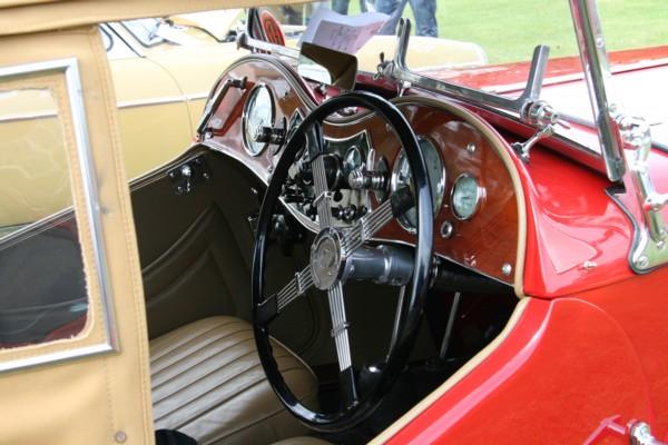 MG TA cockpit