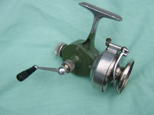 SWISS MADE RECORD B50 FIXED SPOOL REEL, FORERUNNER TO THE ABU REELS, CIRCA 1940,s